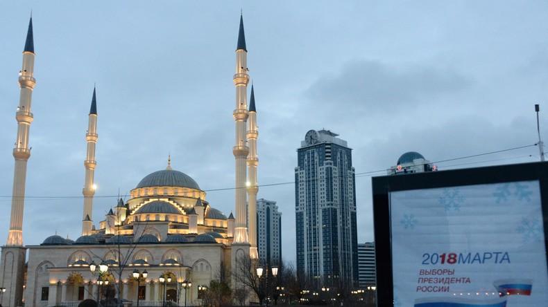 Putin: Russland wird weiterhin Islam-Bildung unterstützen, um Extremismus zu bekämpfen