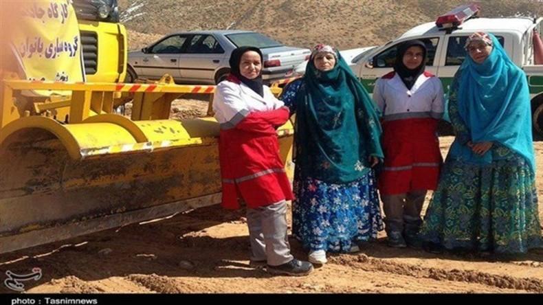 Frauen-Power importiert: Iranerinnen bauen selbst fünf Kilometer lange Straße