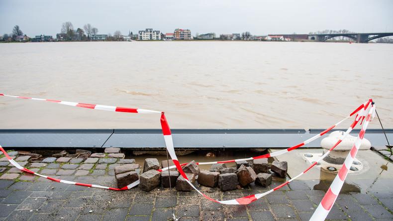 Rhein treibt vermissten toten Mann 114 Kilometer weiter nach Holland