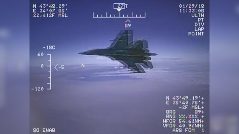 """Pentagon veröffentlicht Video von """"gefährlichem Abfangmanöver"""" durch russische Su-27"""