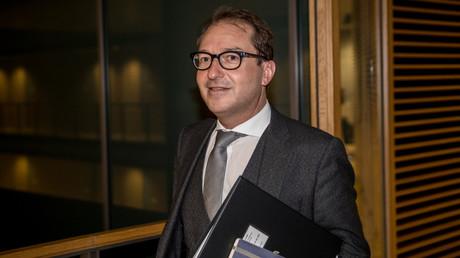 Am Donnerstag findet die Winterklausur der CSU-Bundestagsabgeordneten statt. Der Landesgruppenchef Alexander Dobrindt (CSU) fordert härtere Asyl-Politik.