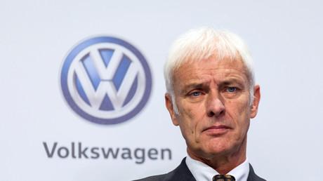 Matthias Müller, Vorstandsvorsitzender der Volkswagen AG, bei einer Pressekonferenz 2016. Auf Antrag der Aktionärsvereinigung DSW soll ein Sonderprüfer unter anderem untersuchen, wann der Vorstand von VW erstmals Kenntnis von den Abgasmanipulationen hatte oder hätte haben müssen.