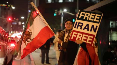 Nicht nur im Iran wird demonstriert, sondern unter anderem auch in den USA.