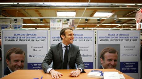 Emmanuel Macron vermarktet sein Buch
