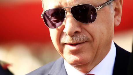 Gibt es eine Verbindung zwischen dem türkischen Präsidenten Erdogan und dem als
