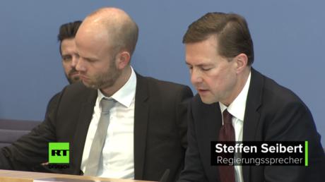 Regierungssprecher Steffen Seibert äußert sich zum Friedensprozess in der Ost-Ukraine, im Licht der US-Pläne Waffen dorthin zu liefern (8. Januar 2018, Berlin)