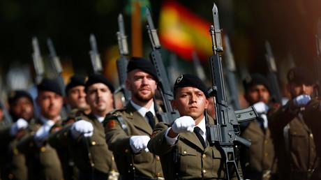 Laut Aussagen der spanischen Verteidigungsministerin María Dolores de Cospedal war die Armee bereit, um im Katalonien-Konflikt einzugreifen.