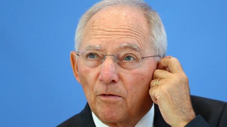 Wo sind sie die Milliarden? Hinweise auf die trickreichen Deals hat es immer wieder gegeben, auch in Schäubles Amtszeit als Finanzminister.