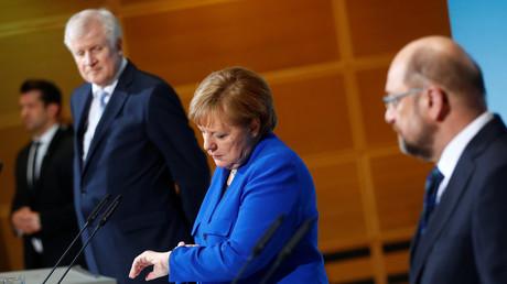 Die Zeit läuft.... Angela Merkel, Horst Seehofer und Martin Schulz, Berlin, Deutschland, 12. Januar 2018.