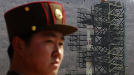 Eine Eskalation im Konflikt zwischen Nordkorea und den USA kann globale Folgen nach sich ziehen. Dennoch hält sich die Bundesregierung bedeckt.