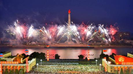 In Pjöngjang wurde im September ein erfolgreicher Raketentest mit einem großen Feuerwerk gefeiert. Die Vereinten Nationen verschärften daraufhin die Sanktionen gegen das Land.