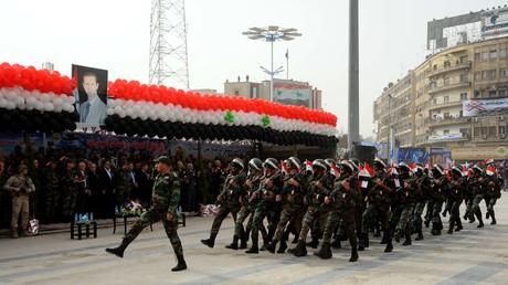 Aleppo am 21. Dezember 2017: Militärparade anlässlich des ersten Jahrestages der Befreiung des Ostteils der Stadt aus den Händen islamistischer Kampfgruppen.
