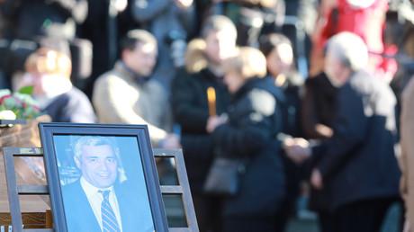 Der ermordete serbische Kosovo-Politiker Oliver Ivanović wurde in der serbischen Hauptstadt Belgrad beigesetzt.