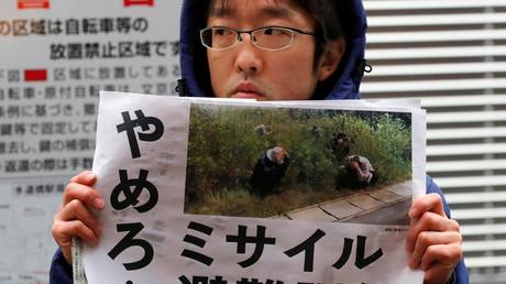 Demonstriert gegen die Zivilschutzübungen in Tokio, Japan, 22. Januar 2018.