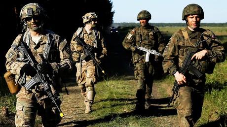 Polnische und US-amerikanische Soldaten während der gemeinsamen NATO-Übung