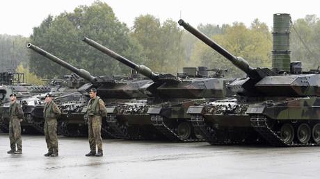 Leopard-2-Panzer während eines Informationstages der Bundeswehr in Münster.