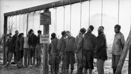 Symbolbild - Hinrichtung gefangener sowjetischer Partisanen, Januar 1943