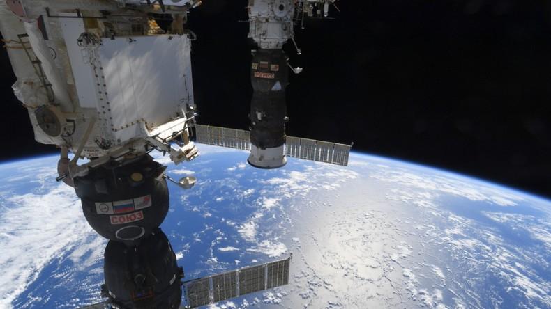 Unabsichtlicher Rekord: Russische Kosmonauten unternehmen längsten Weltraumspaziergang