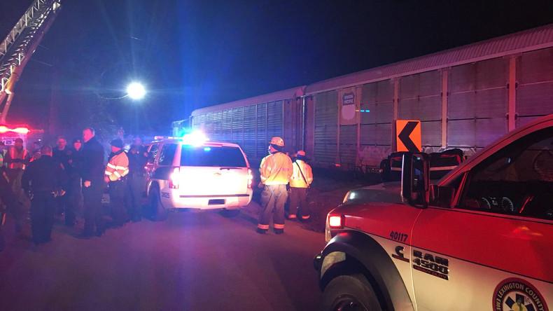 Passagierzug kollidiert mit Güterzug in den USA - zwei Tote, über 50 Verletzte