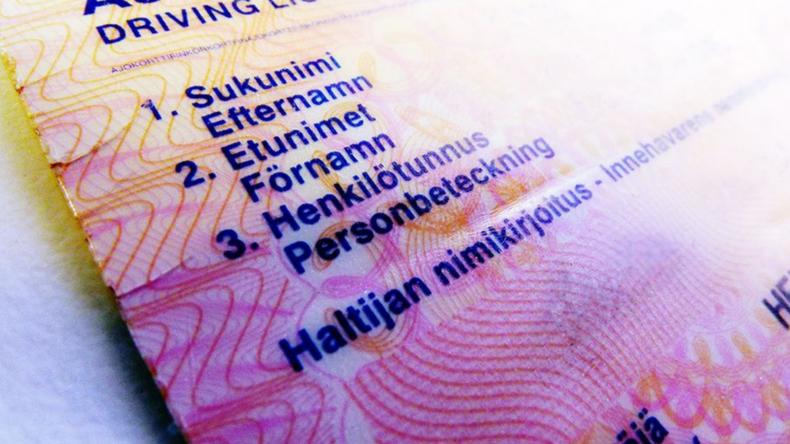 Noch mehr Abhängigkeit von unseren Handys? Finnland führt digitalen Führerschein ein