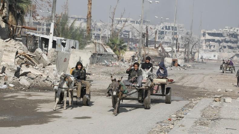 """""""Wo ist die US-Koalition?"""" - Mossul auch nach Monaten der """"Befreiung"""" mit Leichen übersät [Video]"""