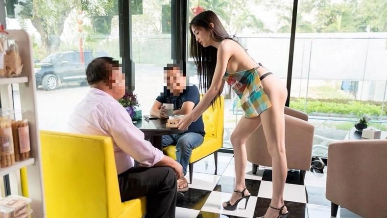 Thailand: Besitzer eines Cafés droht Knast wegen Werbung mit halbnackter Kellnerin