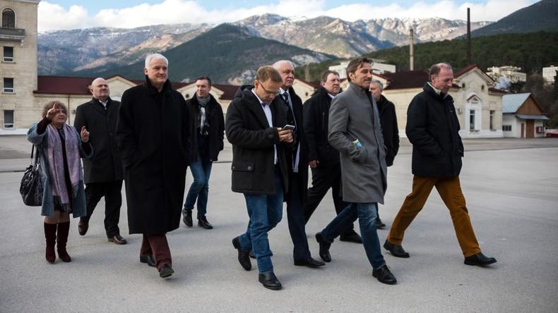 """AfD-Politiker auf der Krim: Ukraine betrachtet Besuch als """"Verbrechen mit Konsequenzen"""""""