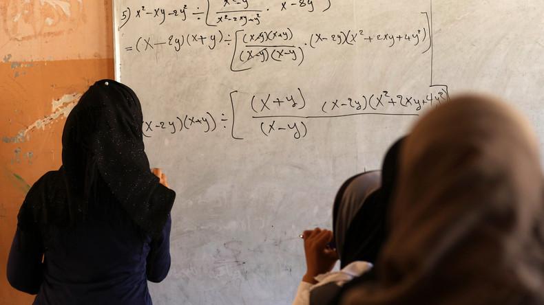 Work and travel: US-Amerikaner bewirbt sich beim IS als Englischlehrer