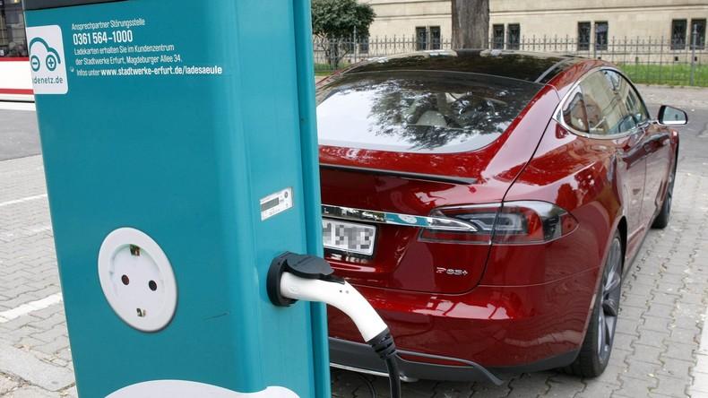 Indische Autohersteller wollen erschwingliche Elektrofahrzeuge auf den Markt bringen