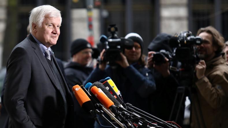 LIVE: CSU-Chef und künftiger Heimat-Minister Horst Seehofer gibt Pressekonferenz nach GroKo-Einigung