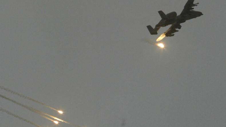Entlarvende Begründung der USA zum Angriff gegen syrische Truppen mit Dutzenden Toten [Video]