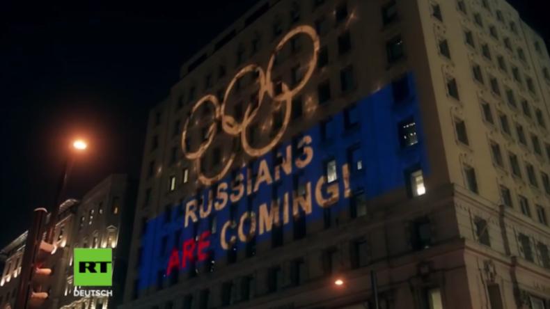 Kanada: Sportfans zeigen Flagge und trollen WADA mit Lichtshow für russisches Olympiateam
