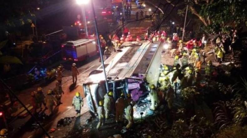 19 Tote bei Busunfall in Hongkong