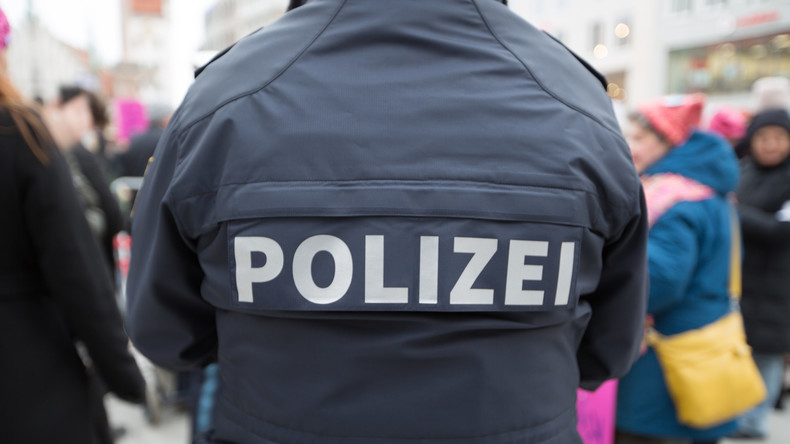 Polizist vor Kölner Straßenbahn geschubst und getötet