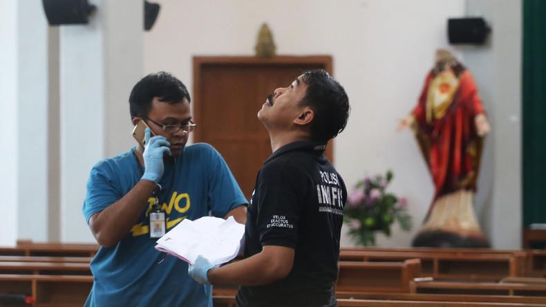 Deutscher Priester bei Schwertangriff in indonesischer Kirche verletzt