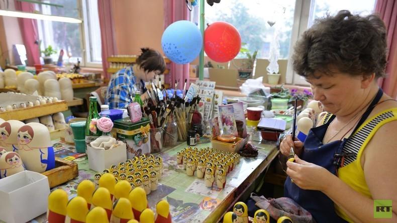 Die Matrjoschka-Malerinnen aus dem Gebiet Nischni Nowgorod
