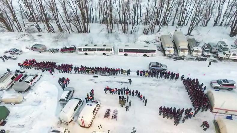 Russische Ermittler finden Flugschreiber nach Absturz nahe Moskau