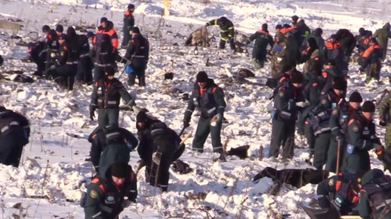 Nach Flugzeug-Tragödie bei Moskau: Große Trauer und komplizierte Bergungsarbeiten