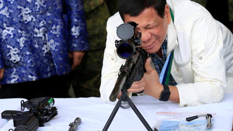 """Duterte: Philippinische Soldaten sollen im Kampf gegen weibliche Rebellen """"in die Vagina schießen"""""""