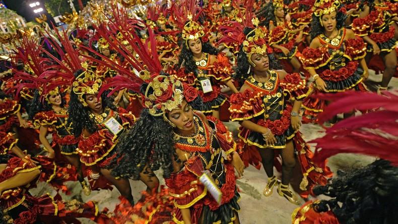 Das Tanzbein ins Gefängnis schwingend: Über 100 Clowns beim Karneval in Rio verhaftet