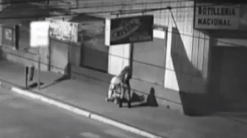 Chile: Betrunkene Mutter lässt mitten in der Nacht ihr Baby allein auf der Straße zurück