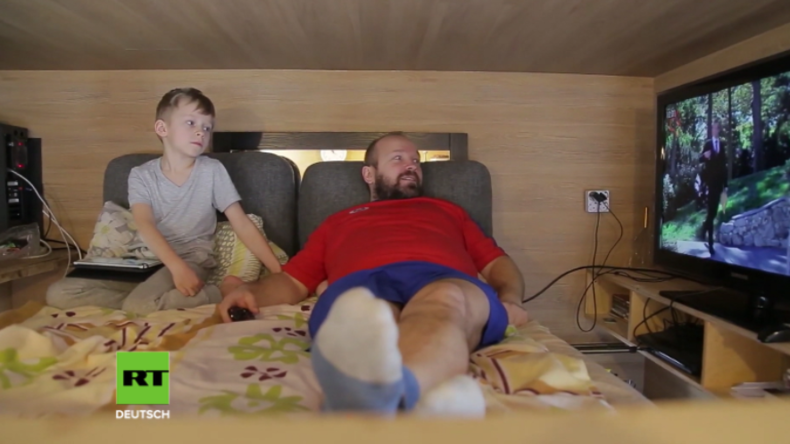 """""""Ich hatte das Miete zahlen satt!"""" - Familienvater baut sich Eigenheim für 1.600 Euro"""