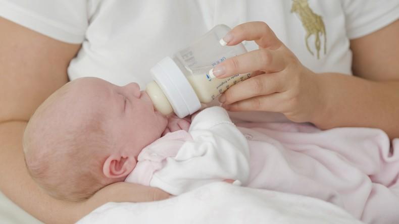 Medizinischer Durchbruch: Erste Transfrau stillt Baby