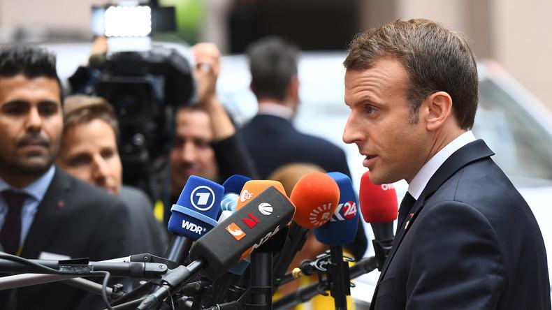 Emmanuel Macron wirft Journalisten aus dem Élysée Palast (Video)