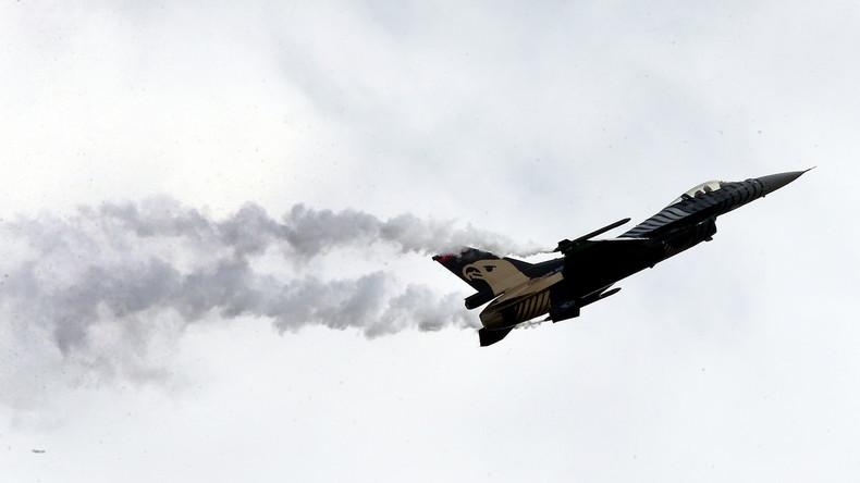 Türkische Luftwaffe fliegt Angriffe auf PKK-Stellungen in Südosttürkei