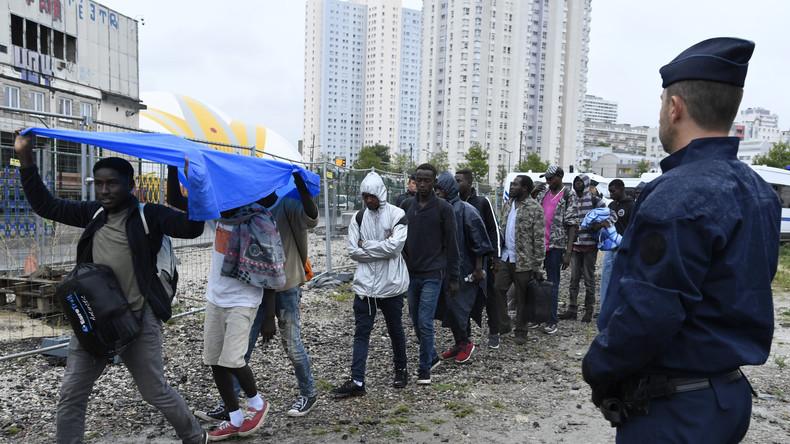 """Wegen Shitstorm: Französisches Arbeitsamt löscht Anzeige für einen """"Ausländer-Ausweisungsbeamten"""""""