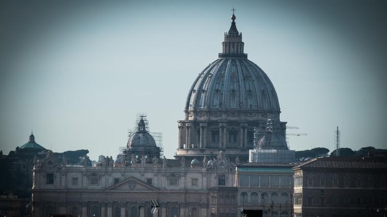 Belästigung und Kinderpornos: Vatikan-Richter zu Bewährungsstrafe verurteilt