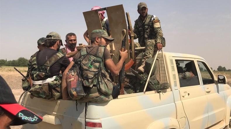 Erste Videos und Bilder: Regierungsnahe Miliz marschiert in Afrin ein