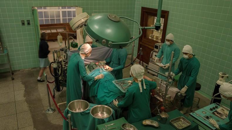 Indien: Mann bekommt neues Herz transplantiert – und behält sein eigenes