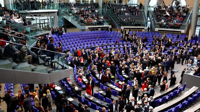 LIVE: Bundestagssitzung zu befristeten Arbeitsverträgen, Vollverschleierung und kostenlosem ÖPNV